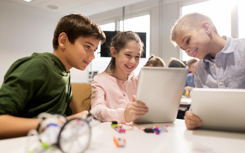Онлайн с продолжением: как детей приучают к дистанционному ...