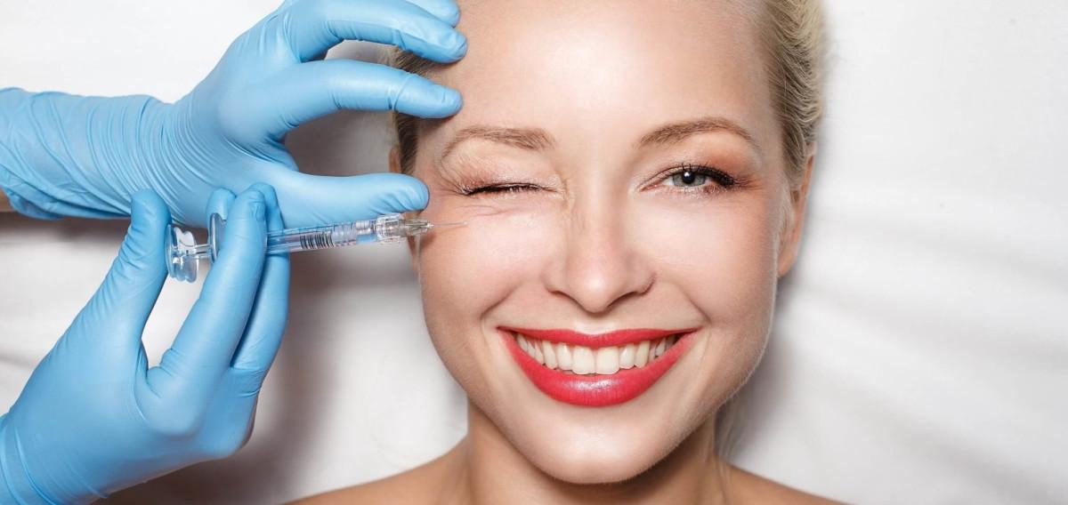 Количество процедур мезотерапии ибиоревитализации зависит отзадачи исостояния кожи пациента.Так, чтобы восстановить овал лица, потребуется 4-8 сеансов, для устранения мешков под глазами достаточно нескольких сеансов. Фото: nailclinic.ru
