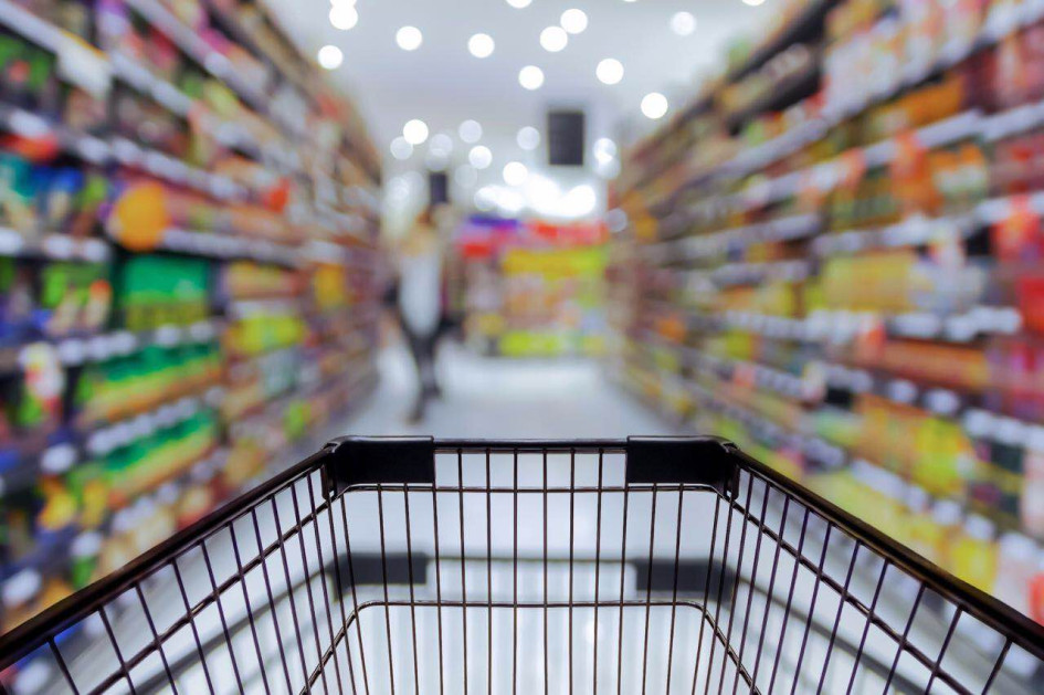 a model of consumer s retail For one, brands are moving away from the traditional distribution model in order to put their products directly in the consumer's hands more quickly and efficiently, and to maintain better control.