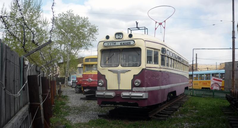 Музей истории трамвая и троллейбуса — один из самых молодых в Екатеринбурге. Он открылся летом 1998 года, к 275-летию города. Музей расположился на территории Южного трамвайно-троллейбусного парка, и было создано ЕМУП «Трамвайно-троллейбусное управление».