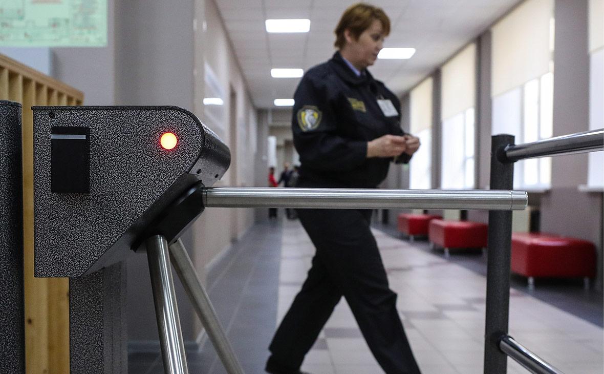 Росгвардия проверит охраняющие школы ЧОПы после драки в Перми