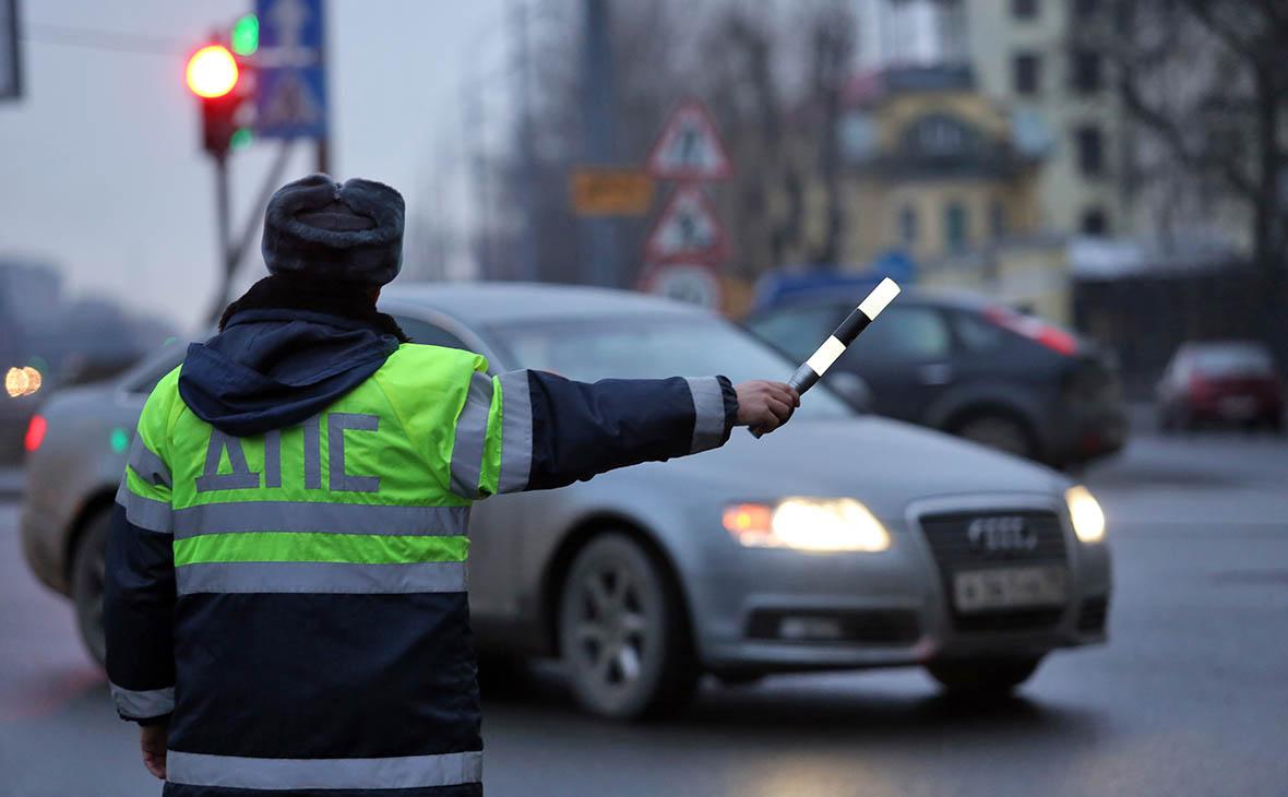 В центре Москвы Mercedes с номерами «АМР» насмерть сбил сотрудника ГИБДД