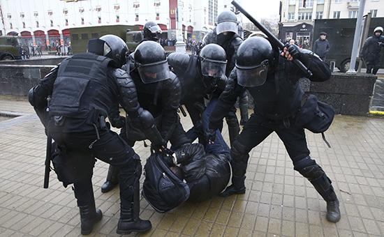 В центре Минска прошли массовые задержания намитинге оппозиции