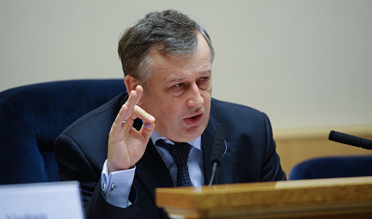 Дрозденко строит вертикаль власти в Ленобласти