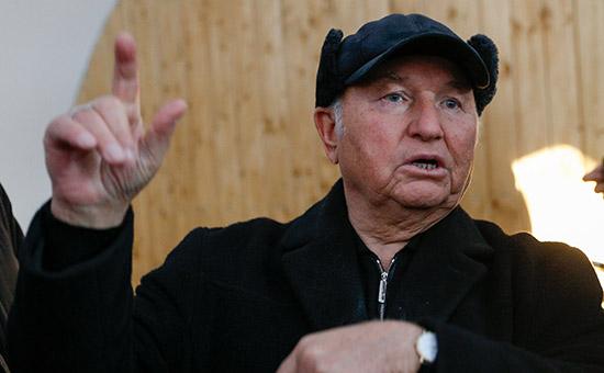 Лужков посоветовал правительству Москвы продолжать программу реновации