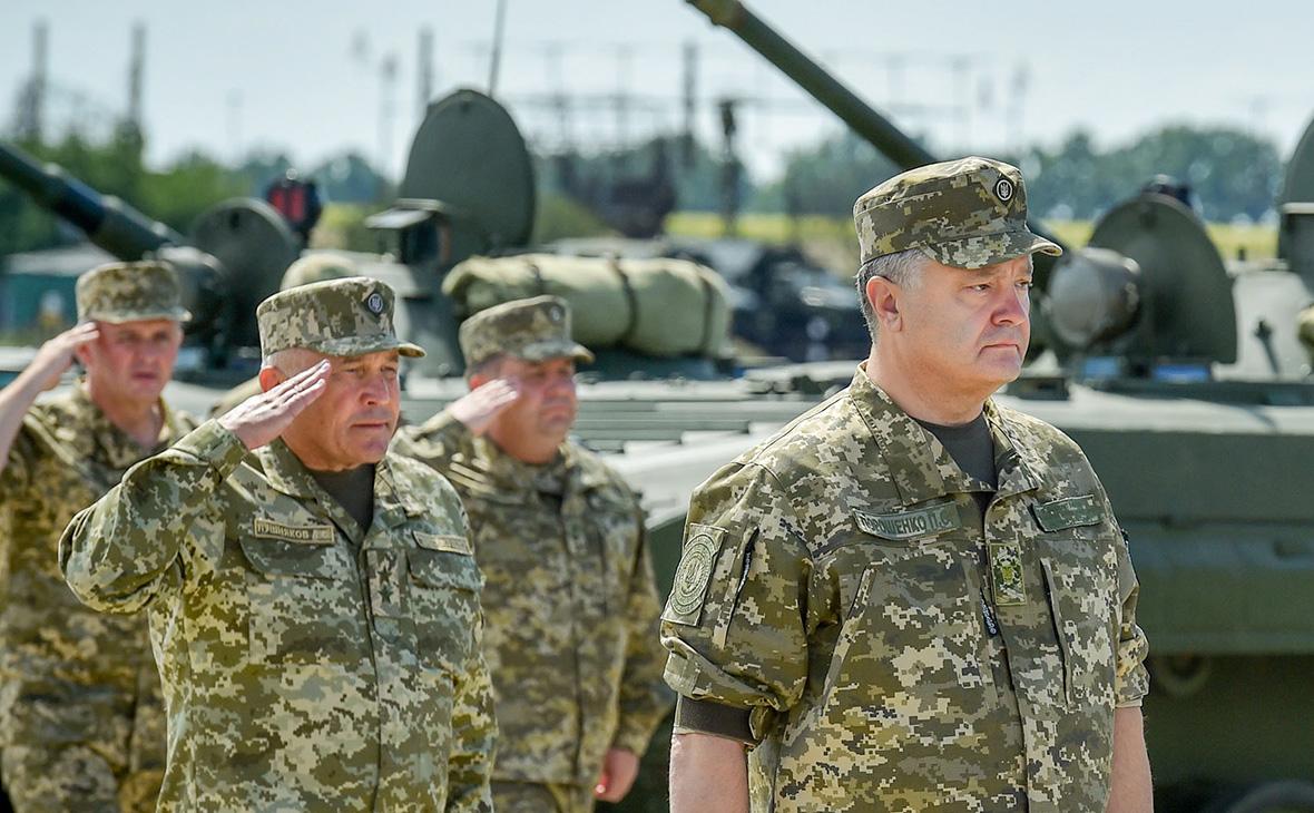 Порошенко объявил о старте программы по переоснащению армии на Украине