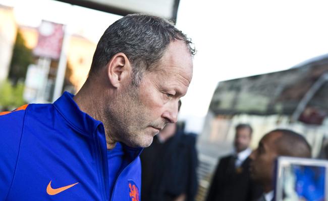 Сборная Голландии уволила тренера после провала в квалификации ЧМ-2018