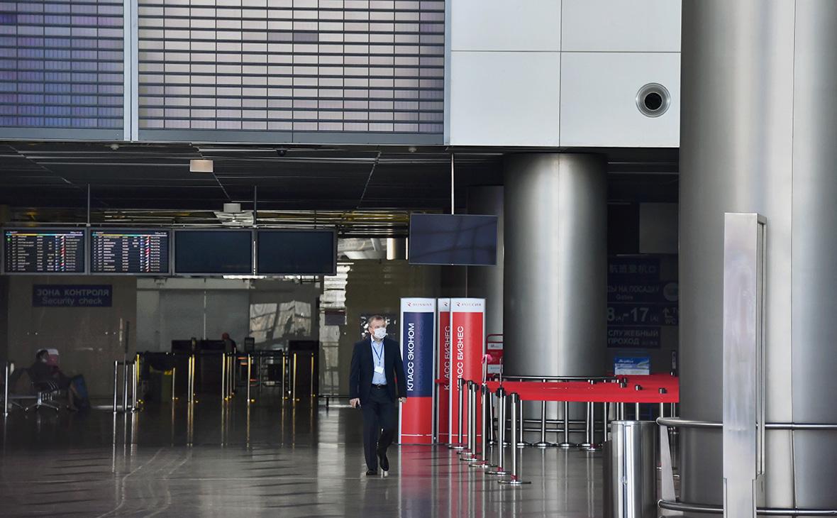 Аэропорт Внуково начал выход из режима ограничений по коронавирусу