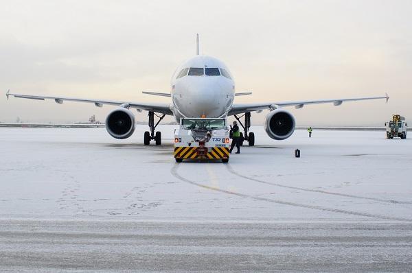 В ХМАО готовятся изменить схему авиаперевозок