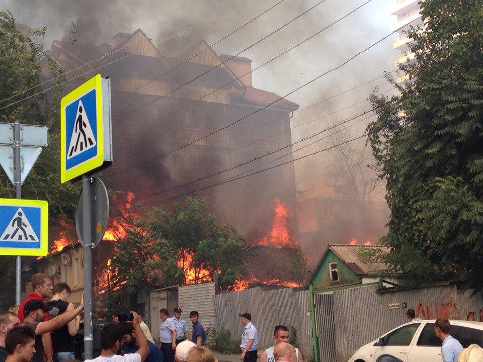 В Ростове локализовали пожар в центре города