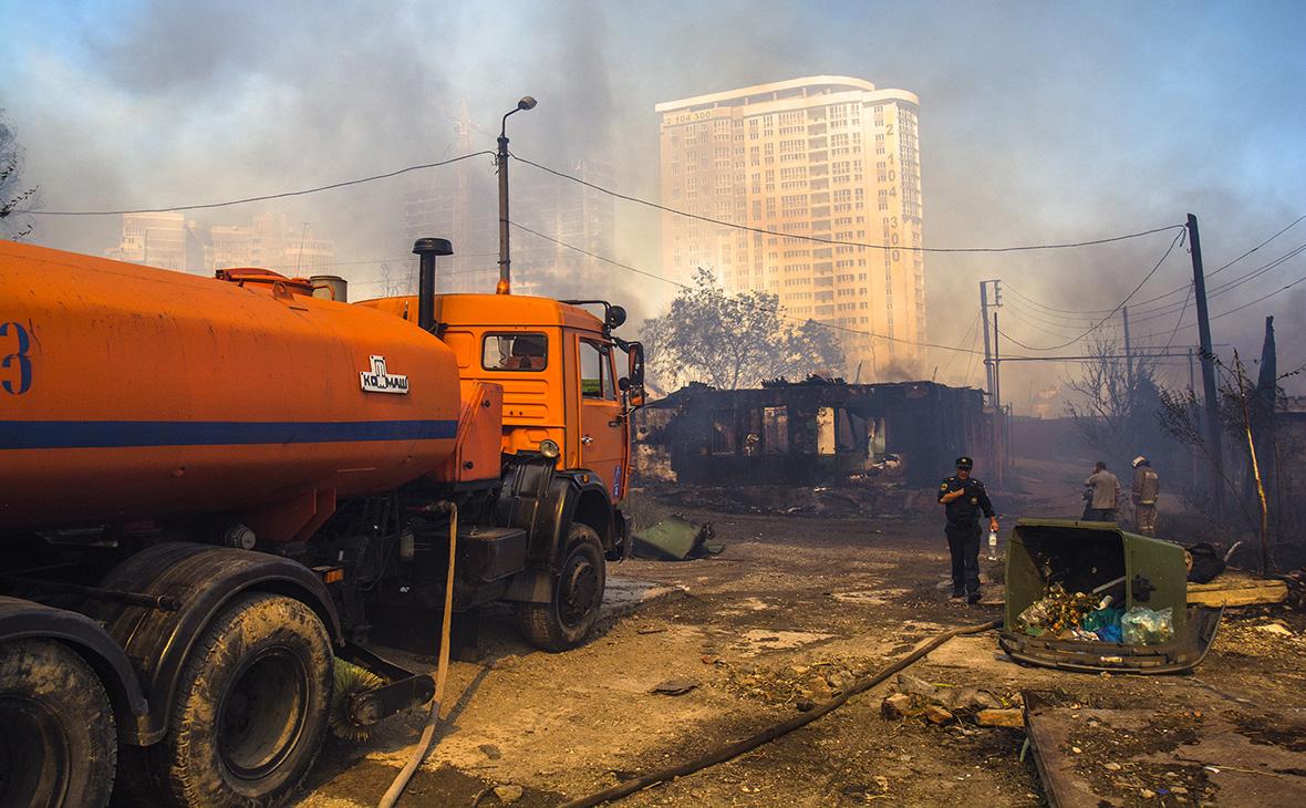 Пожарные обнаружили тело погибшего в результате крупного пожара в Ростове