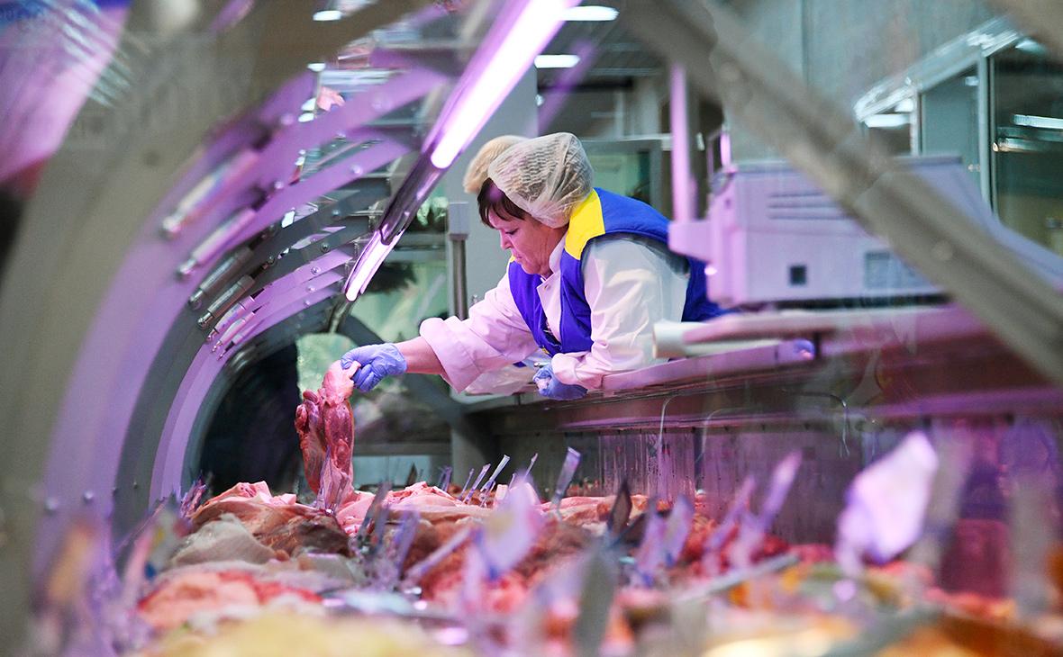 Минсельхоз объяснил рост цен на мясо сезоном шашлыков