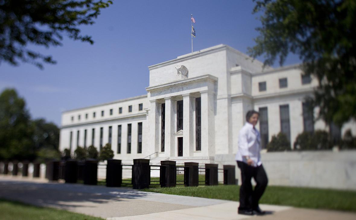 ФРС США из-за коронавируса впервые с 2008 года внепланово снизила ставку