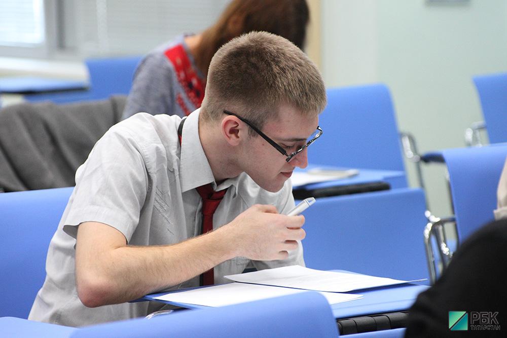 Базовые цены на обучение в вузах поднялись до рекордных 177,8 тыс. рублей