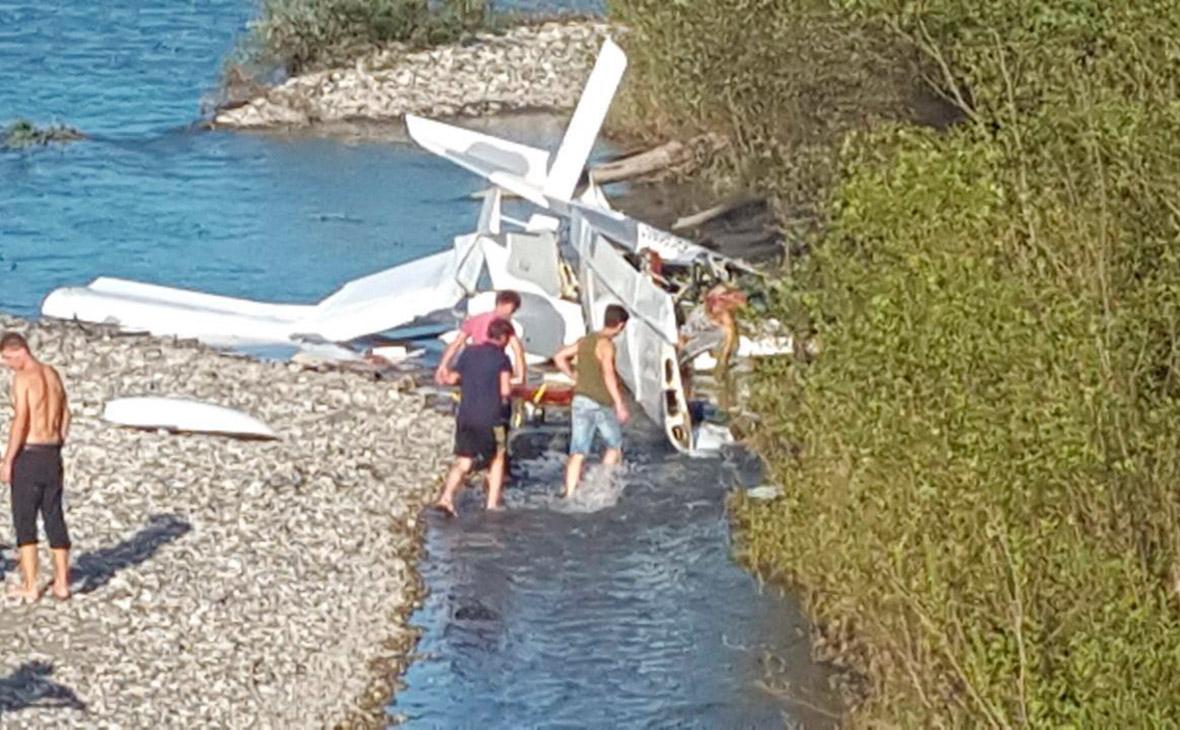 В Абхазии при падении легкомоторного самолета погибли трое россиян