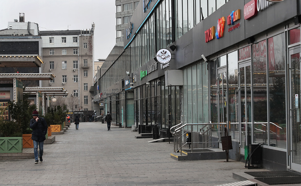 Песков оценил нагрузку на экономику России из-за нерабочих дней