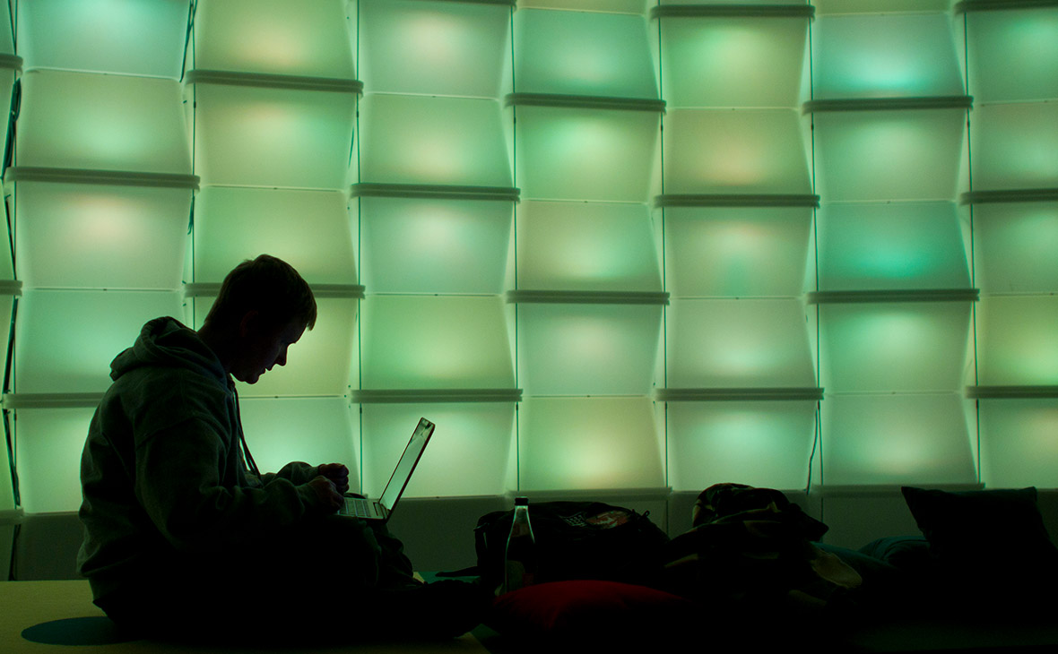 Хакеры атаковали правительство, транспорт, банки и энергетику Украины
