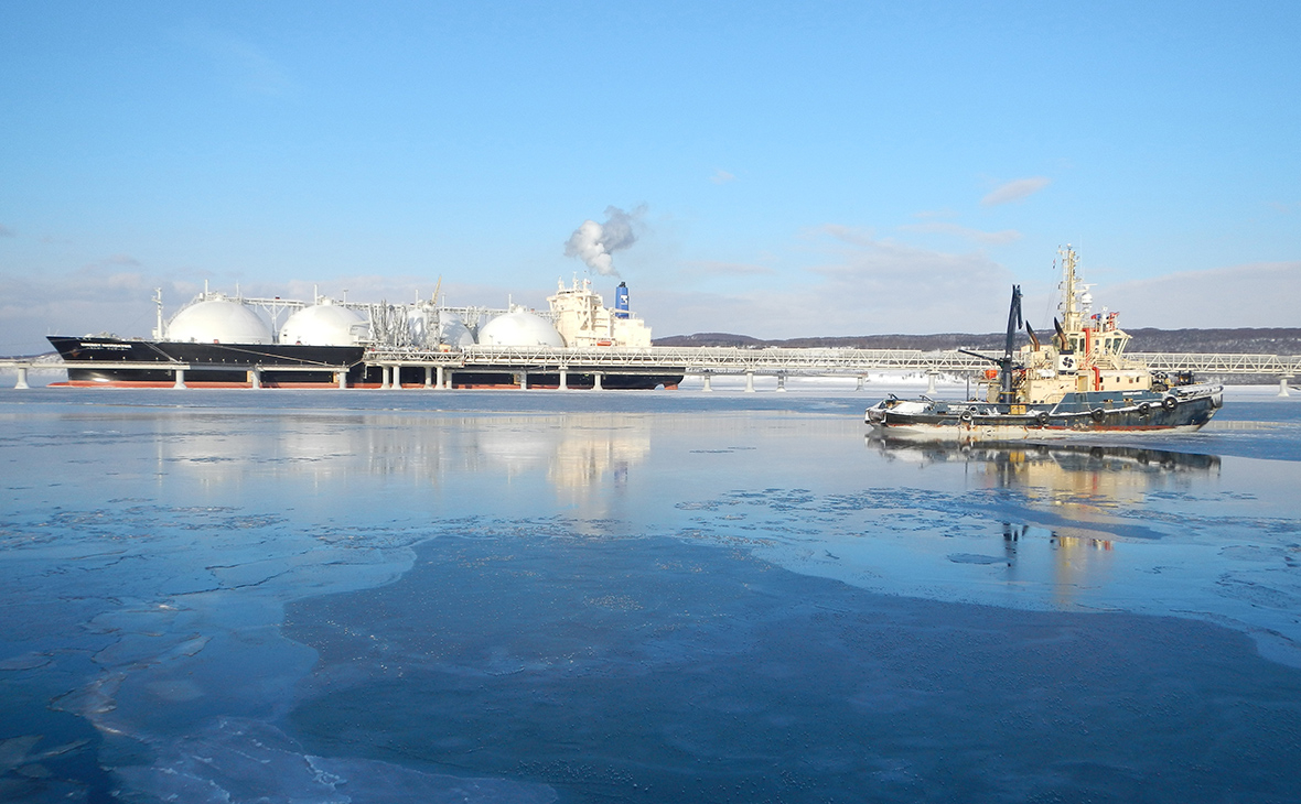 «Газпром» сообщил о первой за 10 лет поставке импортного СПГ в Россию