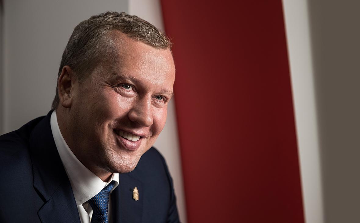 Глава Астраханской области рассказал о работе адъютантом Путина
