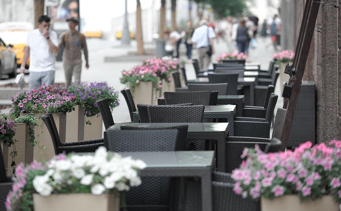 Власти Москвы перенесли начало работы летних веранд на 2,5 месяца