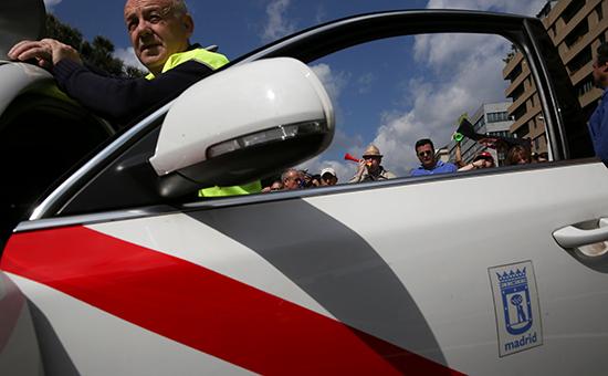 На испанском курорте автомобиль врезался втолпу пешеходов