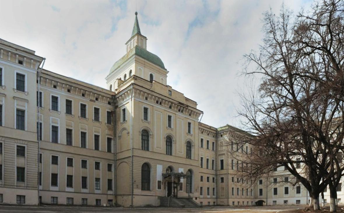 Власти Москвы выставили на продажу 33 здания рядом с Кремлем