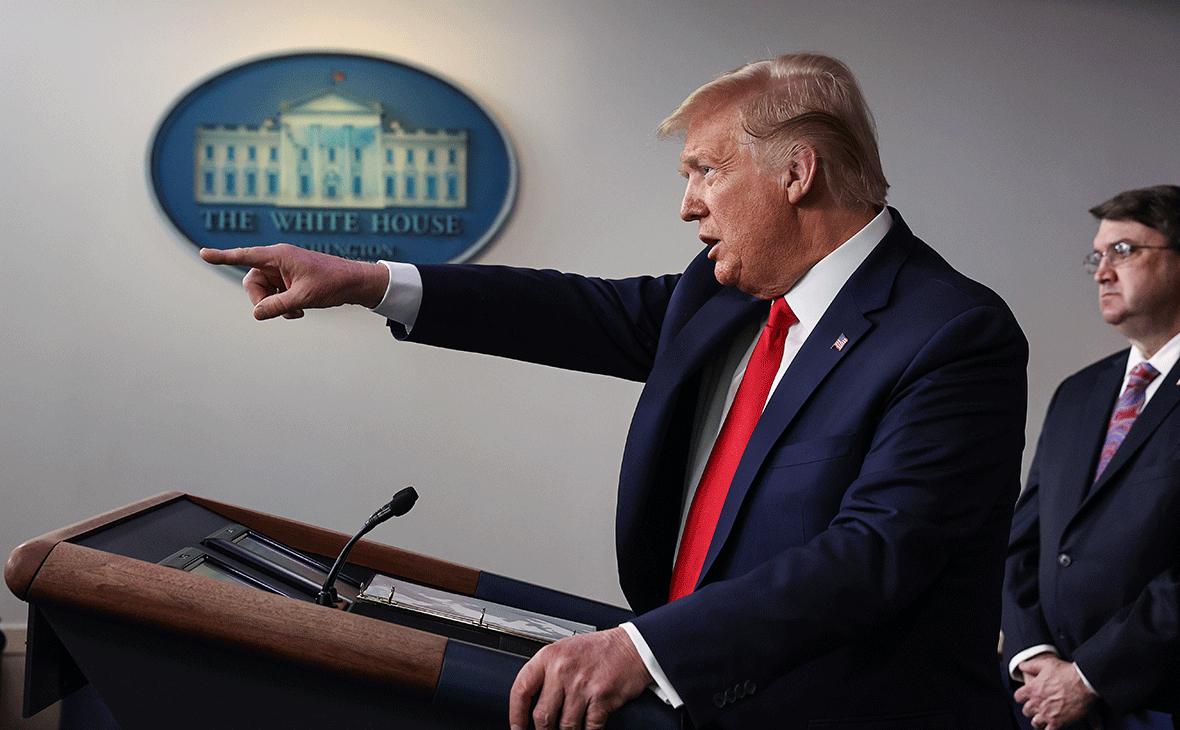 Трамп решил взять военные полномочия для борьбы с коронавирусом