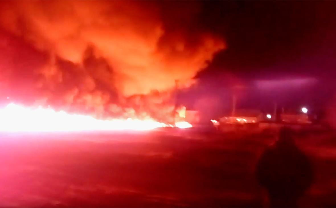 В Саратовской области загорелся магистральный нефтепровод
