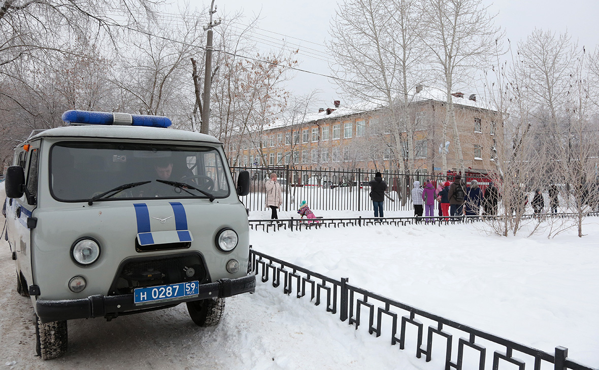 Суд арестовал напавших на школу в Перми подростков