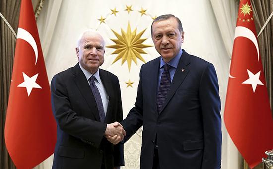 Маккейн секретно посетилсирийских курдов передвизитом кЭрдогану