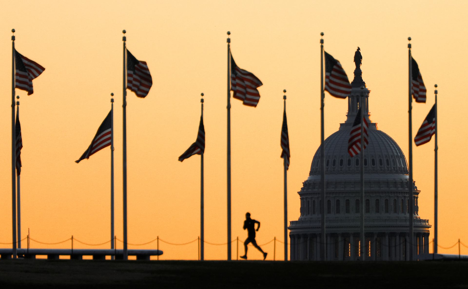 Конгрессмены США одобрили выделение $8 млрд на борьбу с коронавирусом