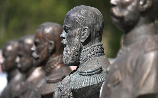 В центре Москвы открыли 33 бюста работы Зураба Церетели
