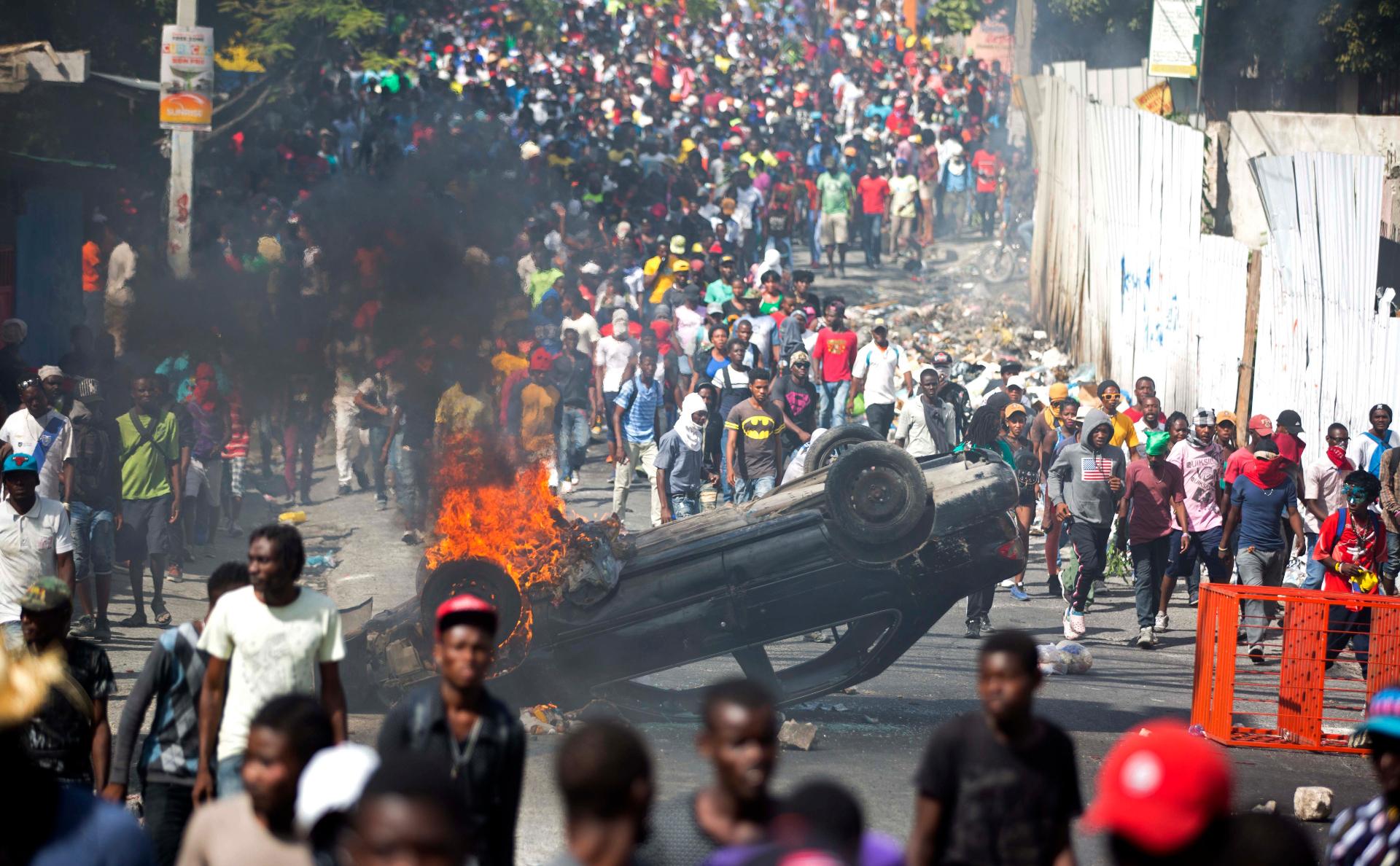 Жители Гаити призвали на помощь Россию для решения проблем страны