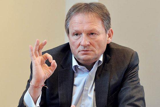 Титов обсудит в Казани сложности размещения бизнеса на первых этажах