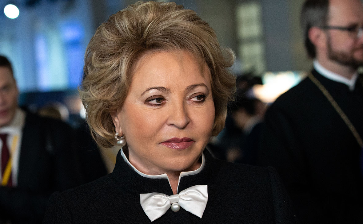 Матвиенко заявила об отказе от поцелуев при встречах из-за коронавируса