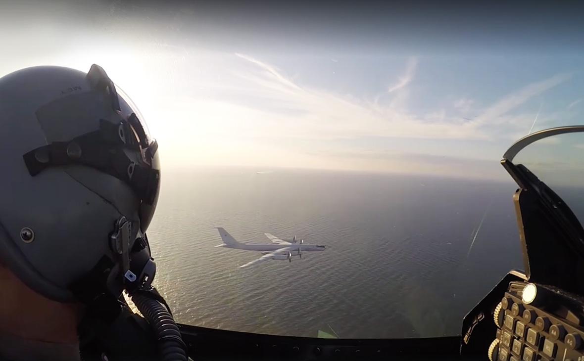 Датские военные опубликовали видео перехвата Ту-95 ВКС России