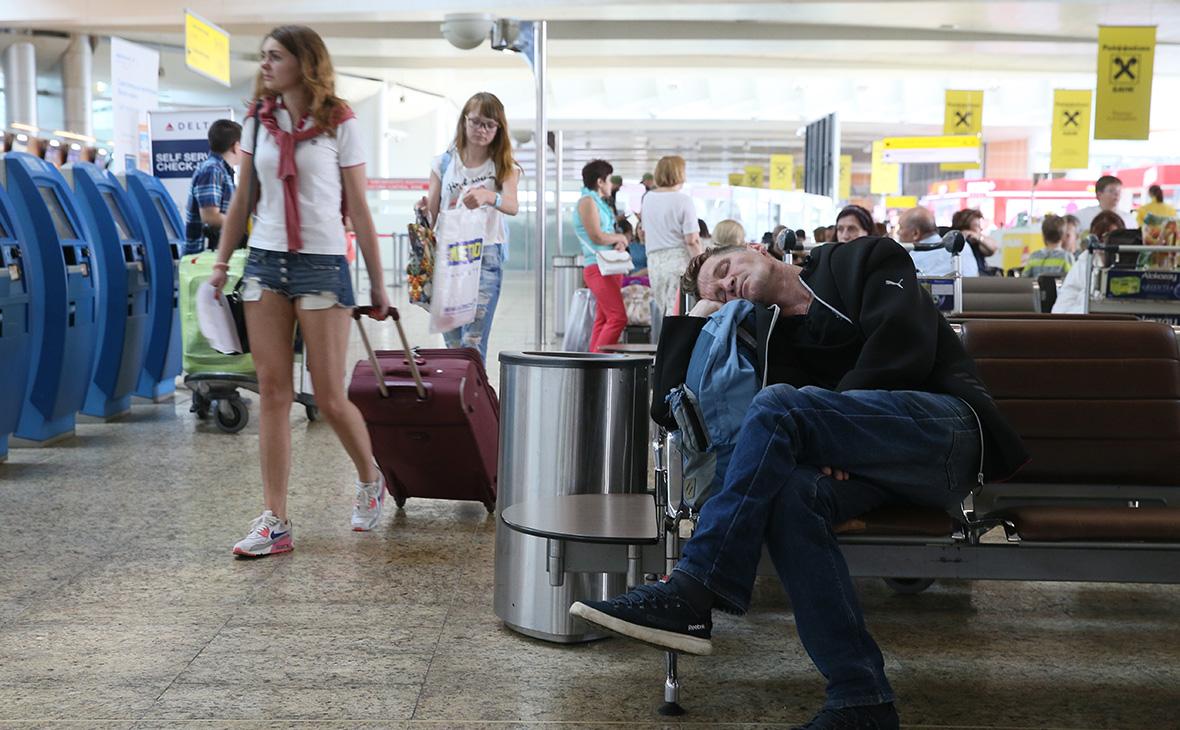 В России многократно выросли выплаты авиапассажирам за задержку рейсов