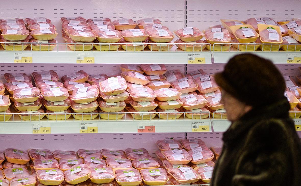 Кризис перепроизводства привел к падению цен на курицу в магазинах
