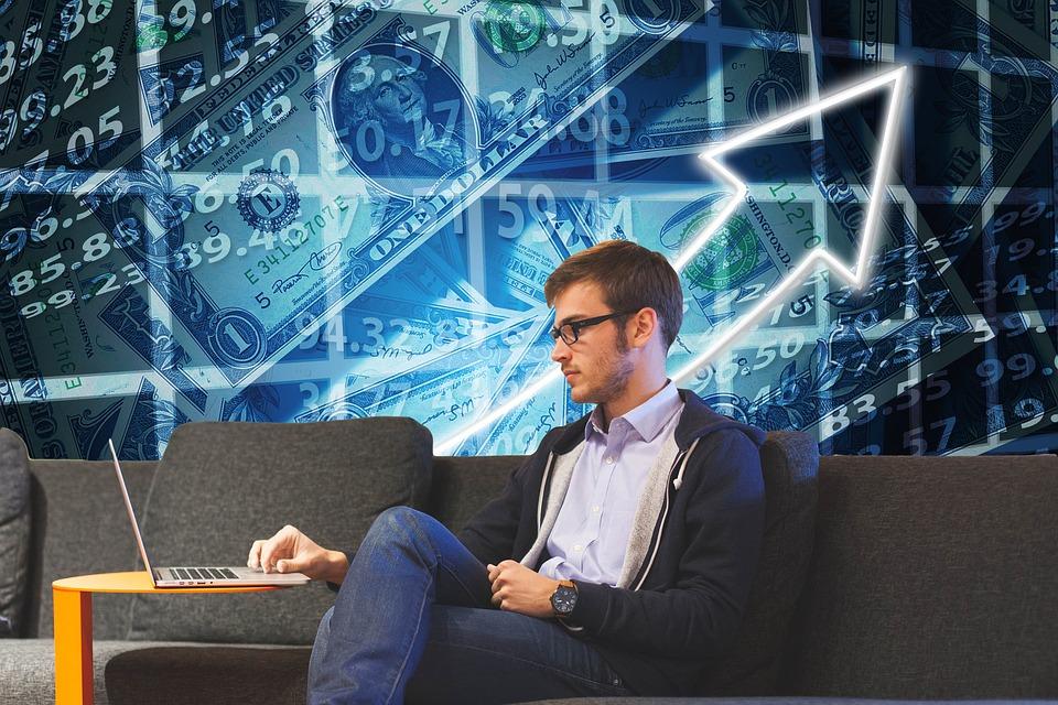 Эксперты определили самые выгодные направления для инвестиций