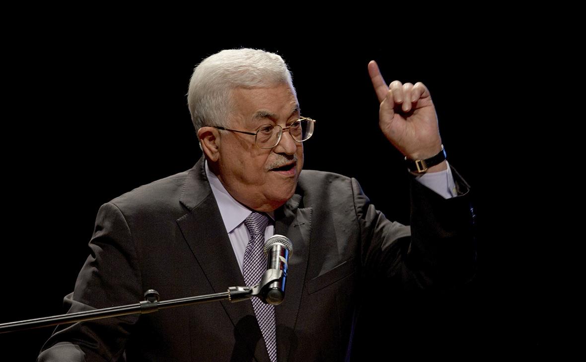 Аббас объявил о замораживании официальных контактов с Израилем