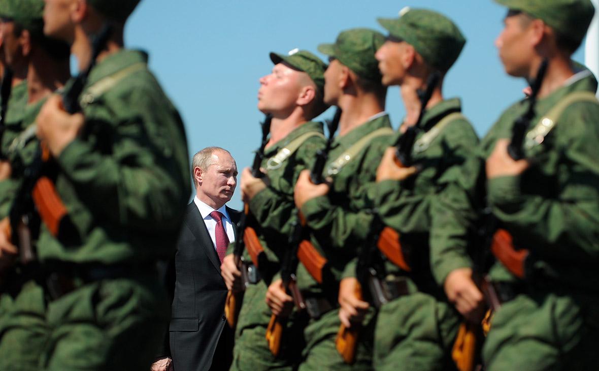 Путин сократил штат Вооруженных сил на 293 человека