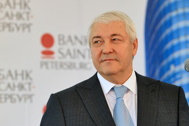 Банк «Санкт-Петербург» компенсировал снижение главных доходов