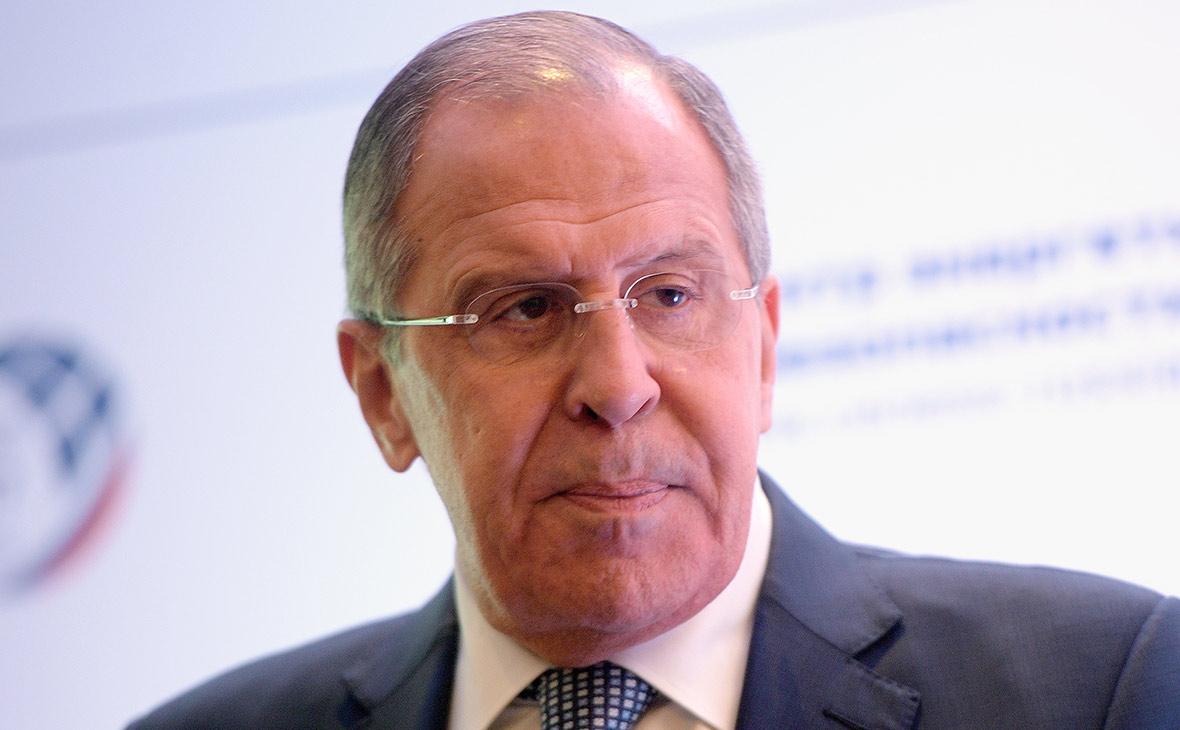 Лавров заявил о мешающем договариваться «русофобском раже» конгресса США