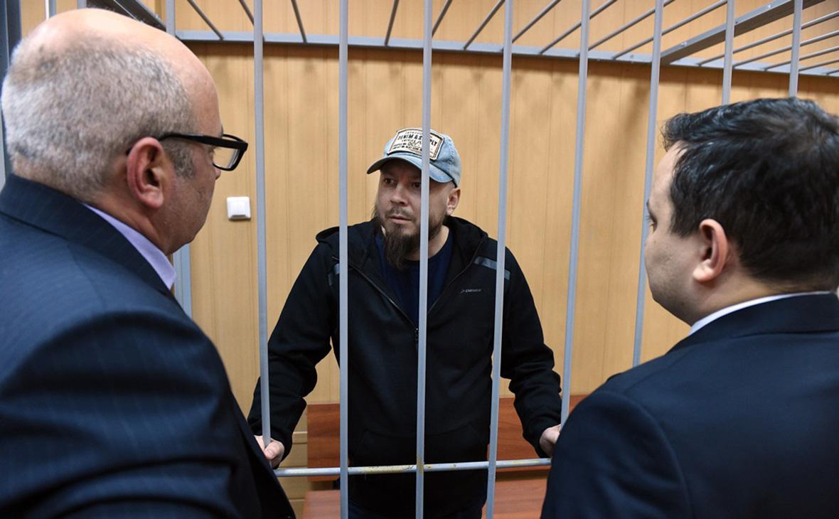 Участника митинга приговорили к колонии за «силовой обхват» полицейского