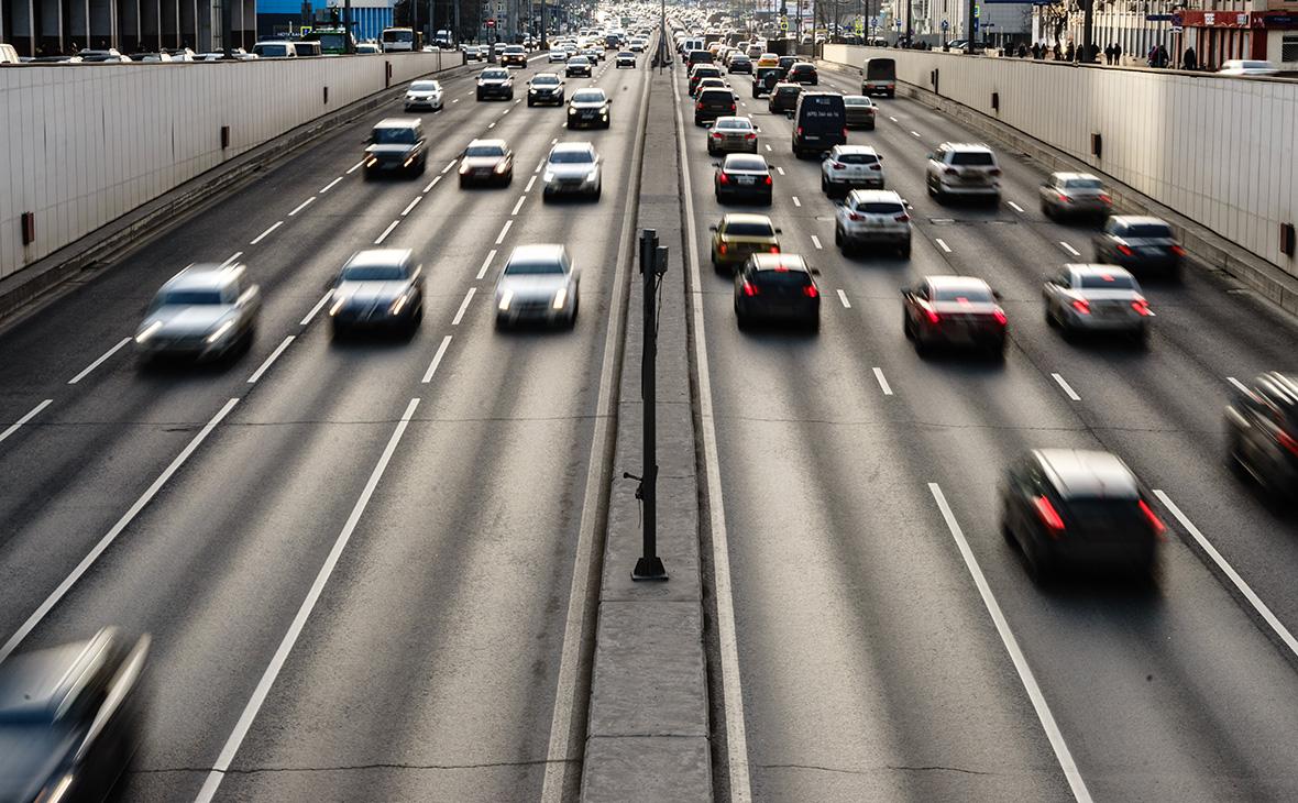 Минпромторг объяснил идею повысить налог на старые автомобили