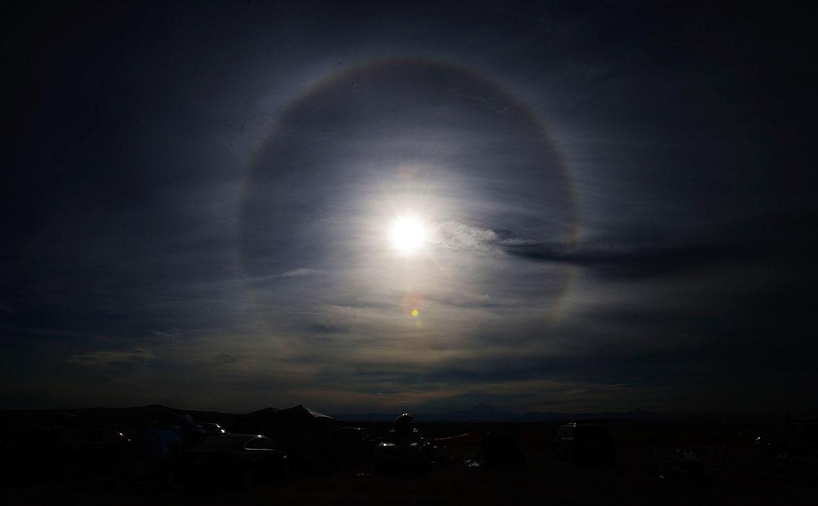 NASA запустило трансляцию «великого» американского солнечного затмения
