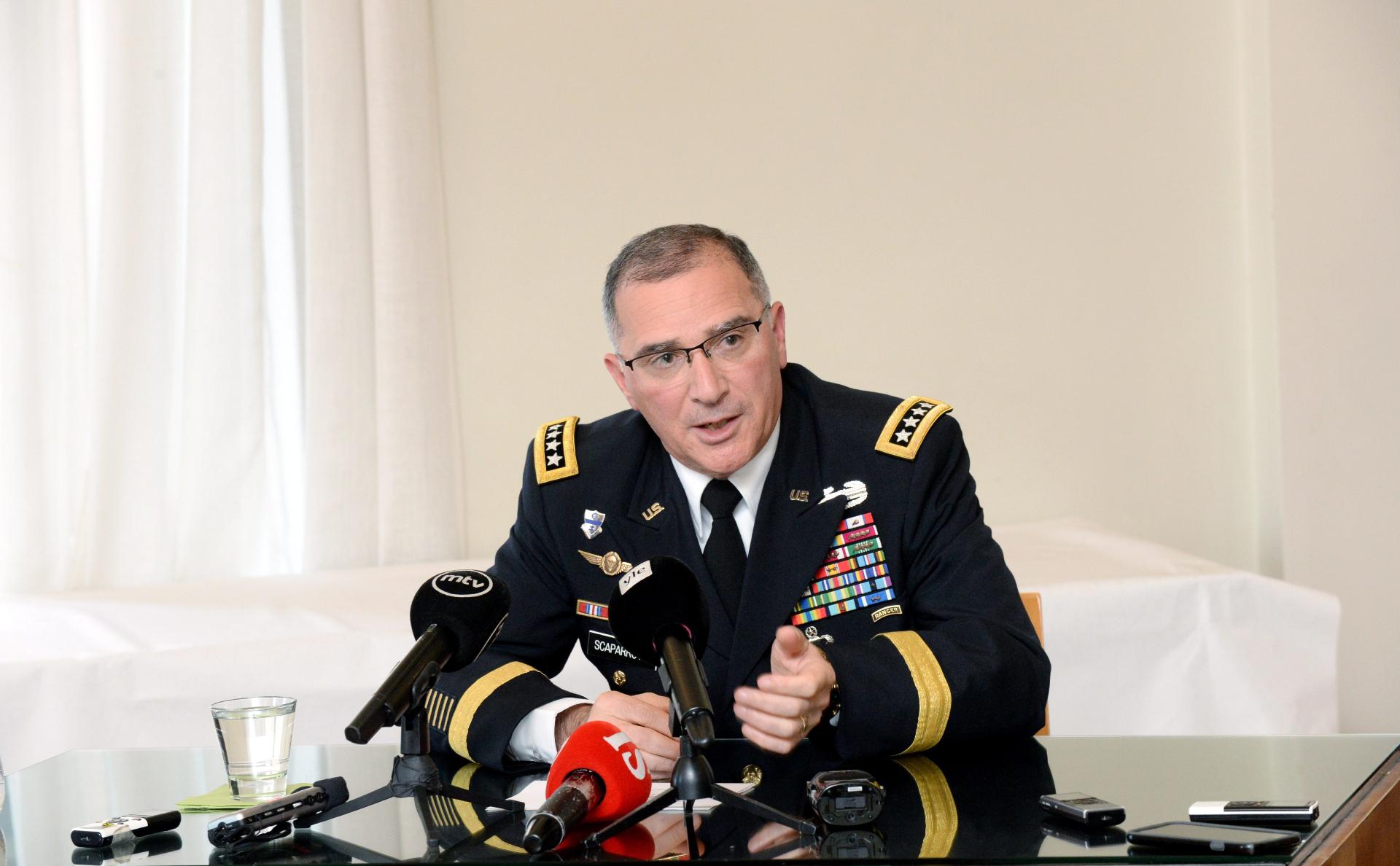 Командующий силами НАТО в Европе заявил о важности контактов с Россией photo