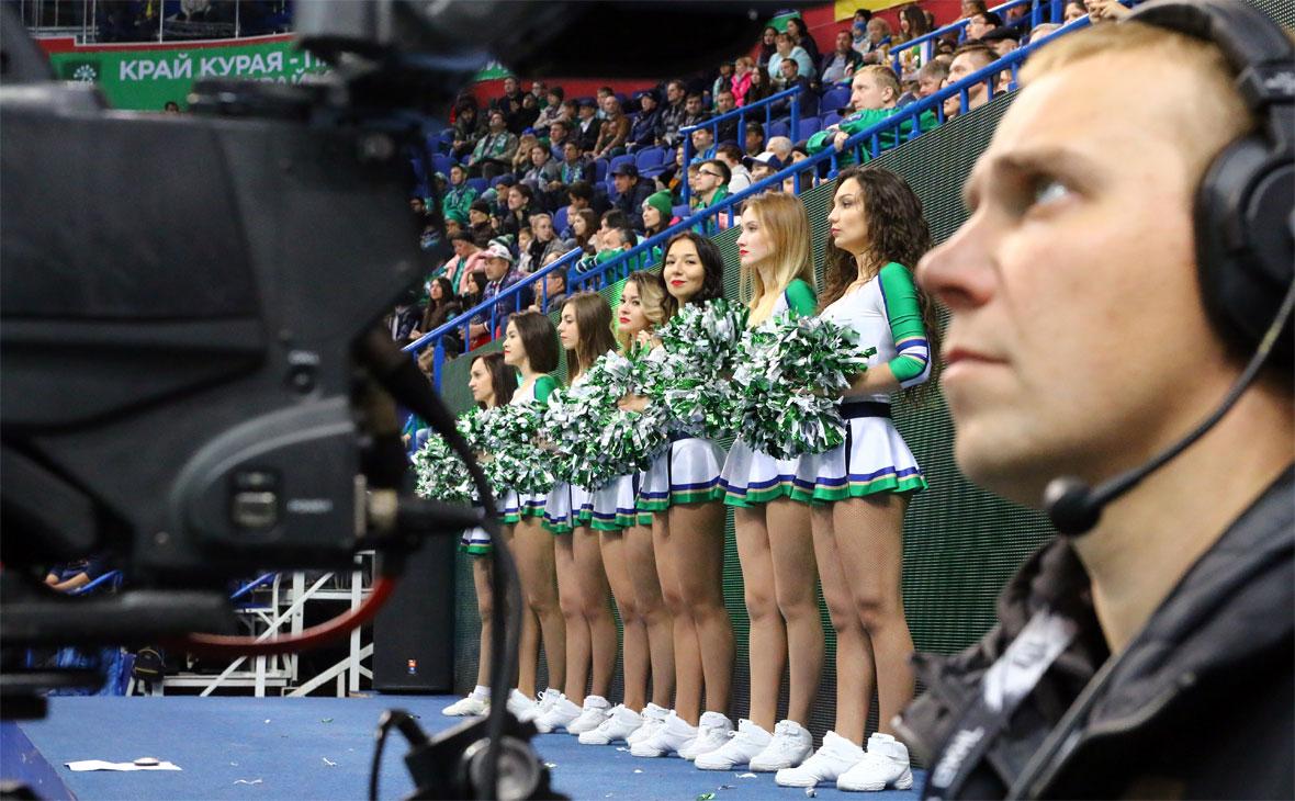 Посещаемость спортивных событий в Уфе: что популярнее, футбол или хоккей?