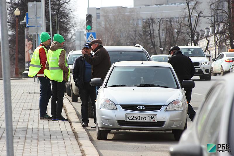 Ходи или плати: в Казани расширят зону платного паркинга и поднимут цены