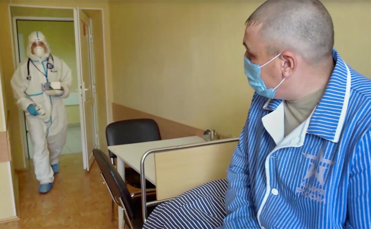 Врачи исключили заражение добровольцев коронавирусом для проверки вакцины